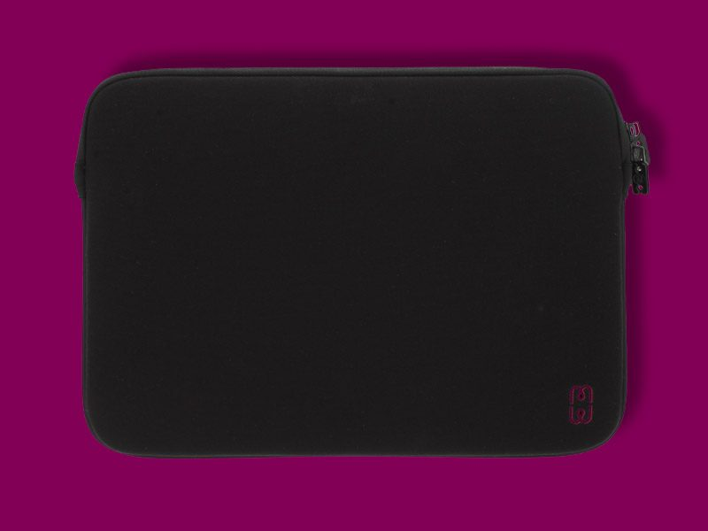 Black_cherry_Sleeve_MacBook_Pro_13_1